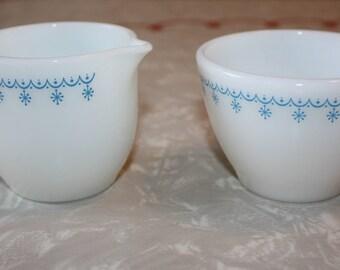 Pyrex, Corning Snowflake Creamer and Sugar Set, Garland, Vintage 2-Piece Set