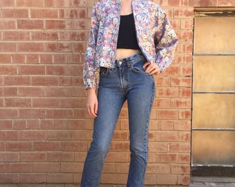 80s / 90s Light Weight Floral Zip Front Jean Jacket / Cropped / Denim / Size S M Small Medium