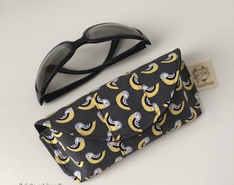 Glasses case, black glasses case, glasses holder, handmade glasses holder, eyeglass holder fabric, handmade glasses case