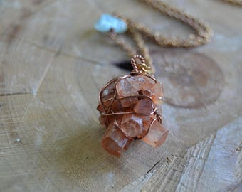 Aragonite Cluster Long Necklace // Raw Brass Chain // Crystal Healing // Crystal Energy // Anxiety // Calming // Bones and Joints // Balance