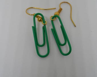 Clips earrings Green