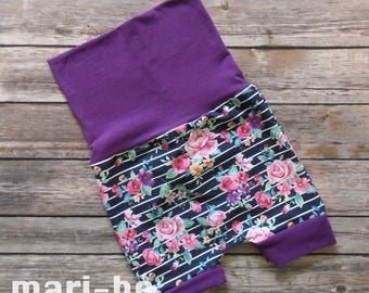 Grow-with-me shorts RETRO ROSES Size Medium 12 months to 4T