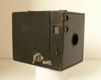 Large Antique Kodak Model 3 Brownie Box Camera - 1911 - Over 100 years old