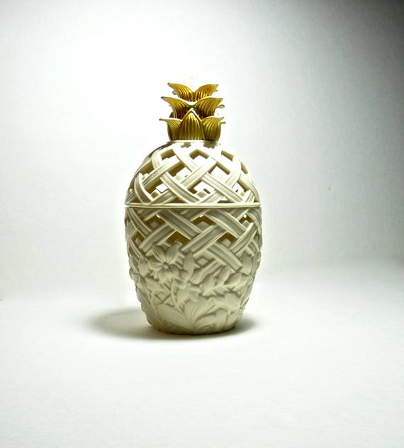 LENOX PINEAPPLE ~ Potpourri Jar ~ Classic Lenox ~ 24k Gold Top Forming The Leaves of Pineapple ~ 8-1/2 Inches Tall, 4 Inches Wide ~ Vintage