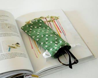Glasses case , stylish case , eyeglasses case , sun glasses case , holidays gift , green , christmas, flowers,  phone case, small gift