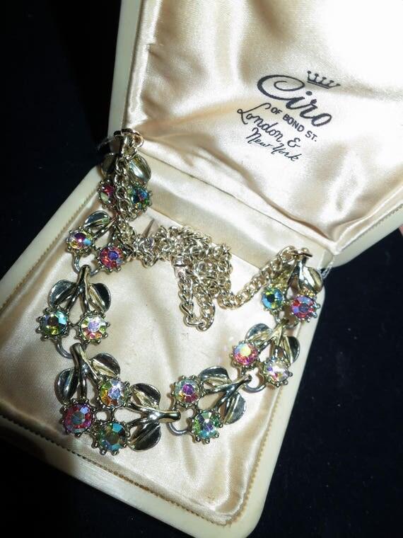 Lovely vintage goldtone aurora borealis rhinestone collar necklace