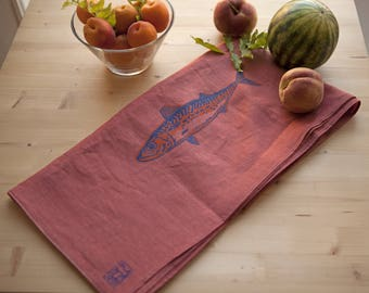 Light linen towels with fish print