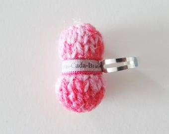 Ring shaped ball of yarn dark pink and clear (customizable to the name of your choice)