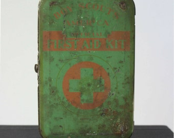 Boy Scouts First Aid Kit Tin, 1950s, Boy Scouts of America, Johnson & Johnson, Belt Loop Attachment