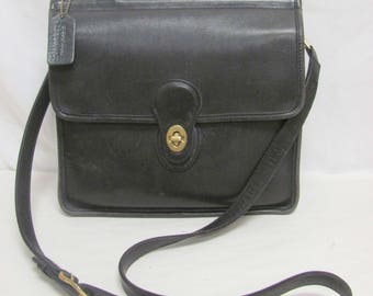 Vintage Coach Black Leather Willis Bag No. K7B-9927 - withTop Handle and Detachable Shoulder Strap