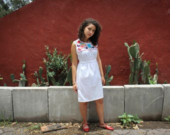 Mexican Embroidery White Dress//Mexican embroidered Dress