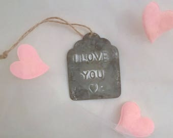 "St Valentin Étiquette antique metal embossed ""I love you"""