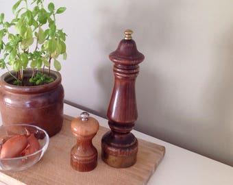 Pair of mills salt and pepper mill - mill salt wooden - mill pepper wooden - country decor-