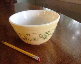 Pyrex Yellow & Green Shenandoah Small Mixing Bowl