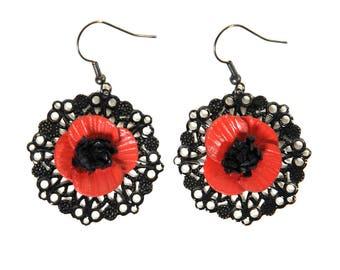Flower poppy on filigree earrings