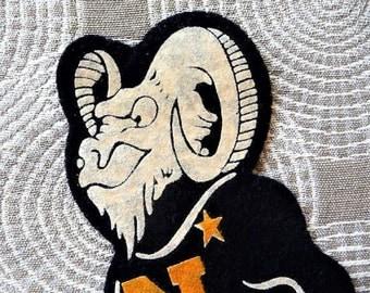 US Naval Academy .. Bill the Goat - Militaria Mascot Souvenir Patch