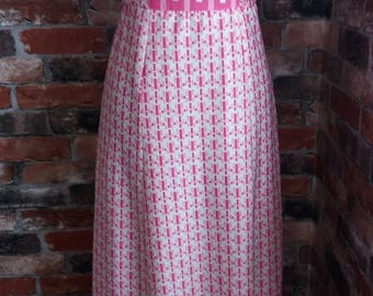 1970s Vintage Pink/White dress with flared sleeves Size 12
