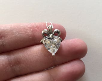 Vintage Radiant White Cubic Zirconia 925 Sterling Silver Filigree Bow Heart Shaped Pendant Necklace