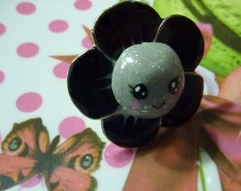 Adjustable adjustable black enameled metal flower ring and its grey face kawaii heart polymer clay hand painted