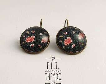 Floral earrings, pink flower earrings, drop earrings, Cabochon glass,