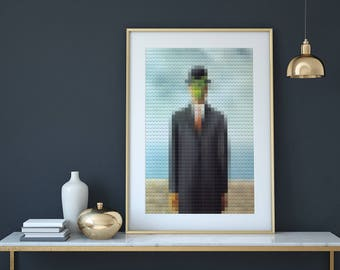 Lego The son of Man / Magritte - Unique creation in limited edition - Modern glitch art - Pro shipping & fast delivery - Free shipping !