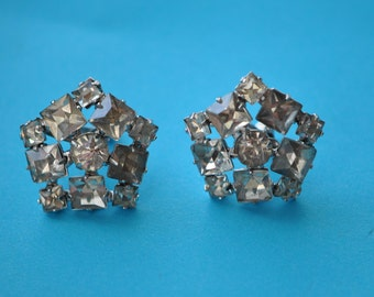 Rhinestone Screw Back Earrings  10 Stones  Vintage