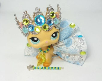 Littlest Pet Shop LPS custom  outfit clothes  accessories lot   includes  lps skirt necklace crown magic wand * Cat not included *