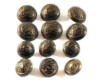 Vintage 12 Metal Buttons, Buttons, Antique Buttons, Vintage Metal Buttons
