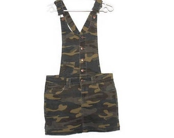 Military Dress 90s CAMOUFLAGE Drab Green Army Style Tee Dress Mini Dress Overalls Dungaree Bib Dress Green Brown Army Camo Print Small Size