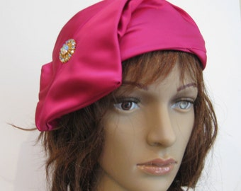 Elegant and Sophisticated!  Vintage Designer Raspberry Pink Hat, NOREEN FASHION, With Aurora Borealis Jeweled Accent, 1960s