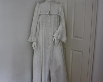 Laura Ashley nightgown - vintage nightdress - Victorian style - cotton nightie - 1970's - Made in Wales - Edwardian style