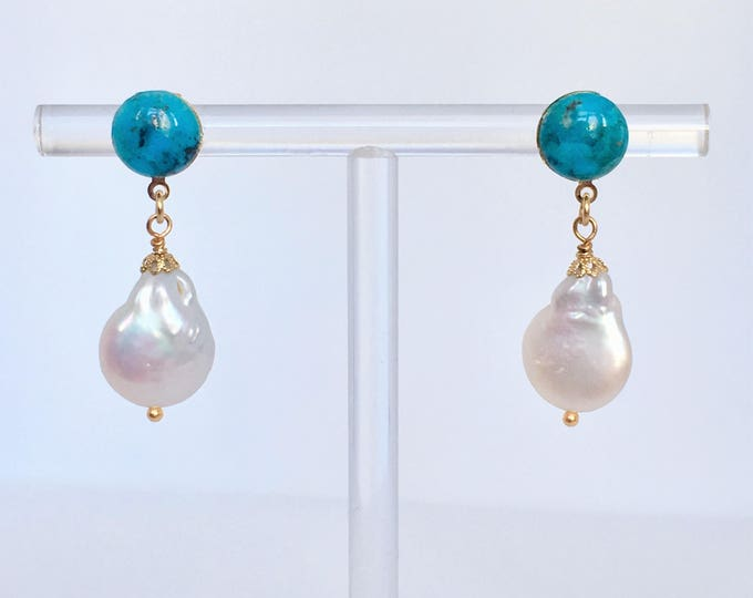 Turquoise and cultured pearls earrings