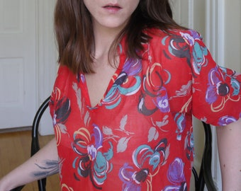 70's Cotton Red Tropical Floral Print Blouse | Thin Cotton Fabric | 3/4 Sleeves | Size Small