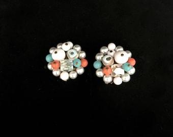 Vintage 50s Beaded Cluster Earrings   GJ2850