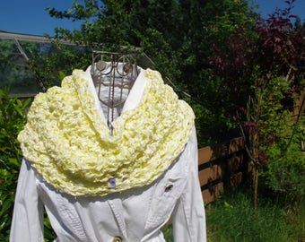 Yellow Sommerloop/stole sunny yellow