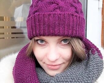 Elegant winter hat and snood