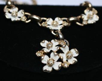 Lovely Kramer Signed Flower Necklace