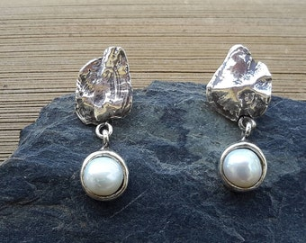No.75  Cod Fish Ear Stone Earrings with Button Pearls