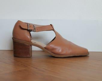 Vintage Light Brown Leather Chunky Heel Sandal | Slingback T Strap Shoes | Buckle Strap Low Nude Heels | US 7.5 EUR 38
