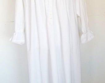 Vintage Victoria's Secret Long White Ruffle Gown Mother Baby Portrait Large