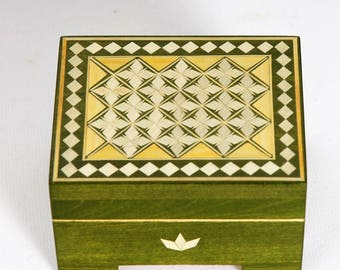 Small Wooden Box // Marquetry - Inlay // 100x80x50 mm // Russia