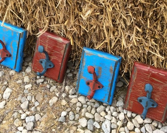 Single Hook Wooden Wall Plaques, Red and Blue