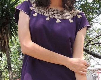 Handmade cotton embroidered blouse  made in Oaxaca. Mexican folk. Ethnic fashion
