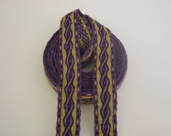 Galon cards,   wool, sold to 4 inch length. 1,18 inch wide