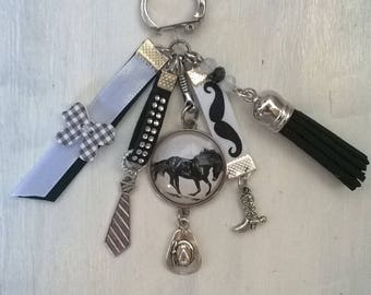 """key ring with cabochon """"horse"""" theme"""
