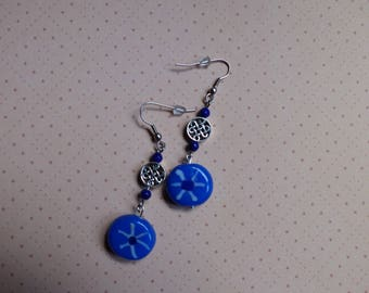 Dangle earrings in porcelain blue and Chinese symbol