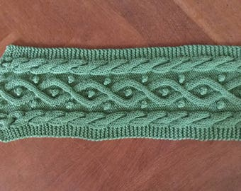 Long green cable scarf