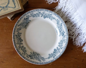Assiette orpheline Debray, service Guadeloupe / Old French single plate from Debray factory, Guadeloupe pattern.