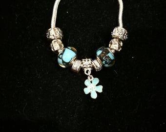 European bracelet with European beads blue, flower