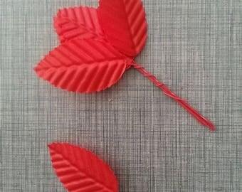 5 Feuilles artificielles 30 x 50mm rouge